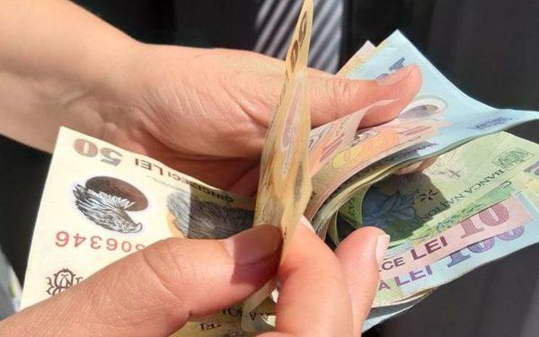 Clujenii rămân în topul celor mai bine plătiți români