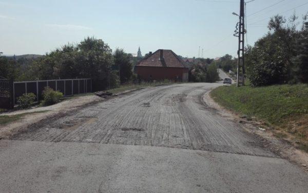Drumul din Cojocna a intrat în reparații