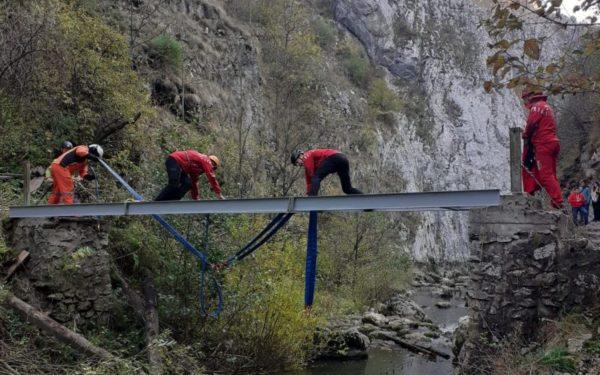 FOTO | Vești bune pentru turiști. Podurile din Rezervația Naturală Cheile Turzii au fost reabilitate