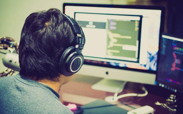 Copiii din Cluj, învățați să programeze propriile jocuri