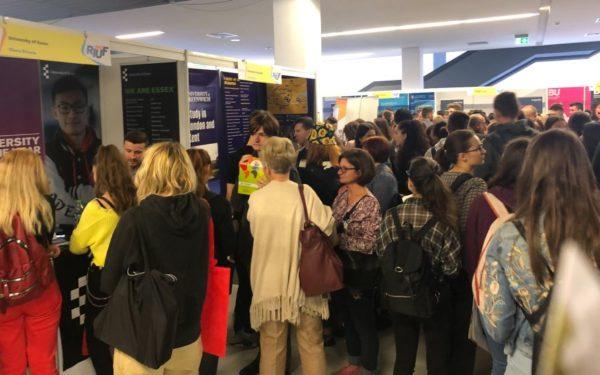 Universitățile din străinătate sunt tot mai interesate să recruteze studenți români