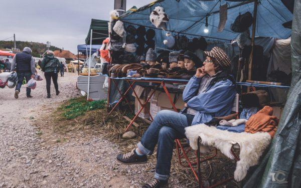 FOTO | Târgul de la Negreni își așteaptă mușteriii