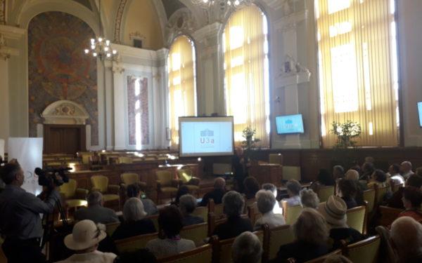 FOTO | Emoții la vârsta a treia. Peste 80 de seniori au început astăzi facultatea la Cluj