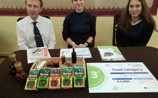 Un baton alimentar din fibre, care ajută la prevenirea unor boli, inventat la Cluj