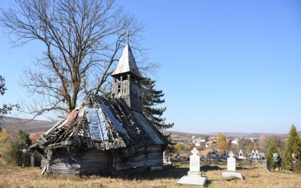 Salvați biserica din Săliștea Veche! Lăcașul de cult, monument istoric, stă să se prăbușească