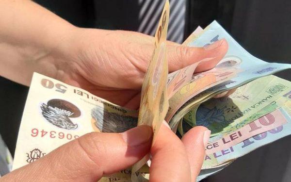 CLUJ | Salariul mediu net a fost de peste 3.400 de lei în luna septembrie