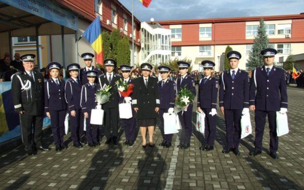 FOTO | Agenți de poliție cu diplomă… de facultate. Mulți tineri îmbracă uniforma chiar dacă au studii superioare sau ani de muncă în alte domenii