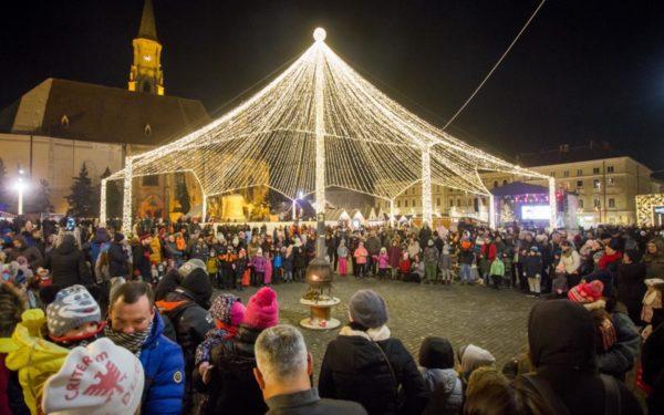 Magia sărbătorilor de iarnă cuprinde de astăzi orașul