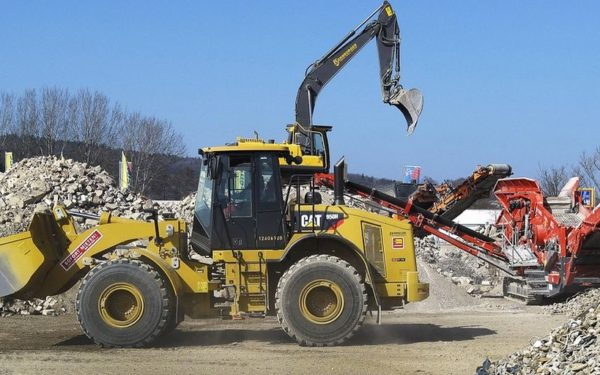 """""""Operațiunea buldozerul"""". Primăria continuă demolarea construcțiilor ilegale"""