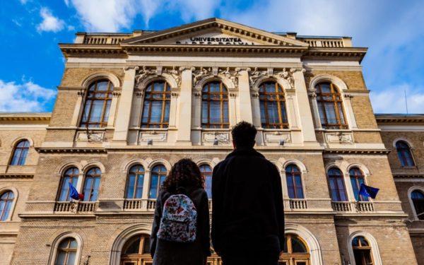 UBB derulează un program de 1,5 milioane de lei prin care tinerii care vor să abandoneze studiile vor fi consiliați