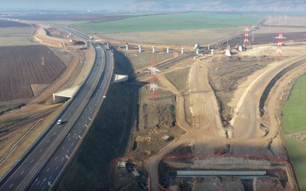 Patru tronsoane de autostradă care traversează Transilvania ar putea fi gata în acest an