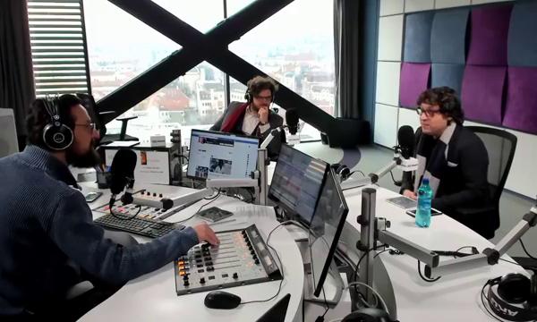 """VIDEO   Țambalistul Marius Preda, la EBS Radio: """"Dacă ești bun, nu contează la ce cânți. Poți să cânți și la fluierul piciorului"""""""