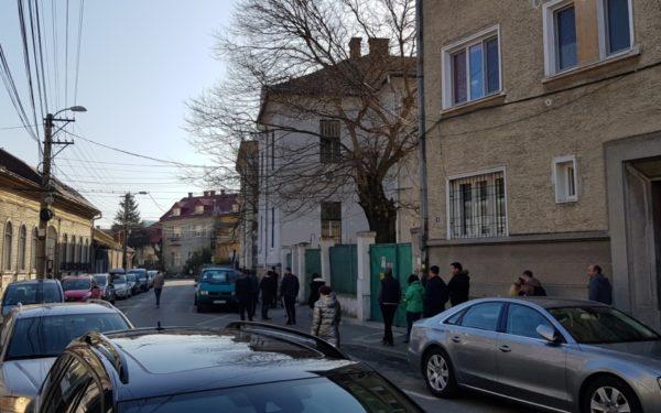 FOTO | Impresionant. La Cluj, oamenii stau la coadă să doneze sânge
