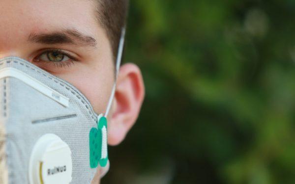 20.000 măști de protecție vor fi distribuite în spitalele din Cluj și în instituțiile implicate în prevenirea răspândirii Covid-19
