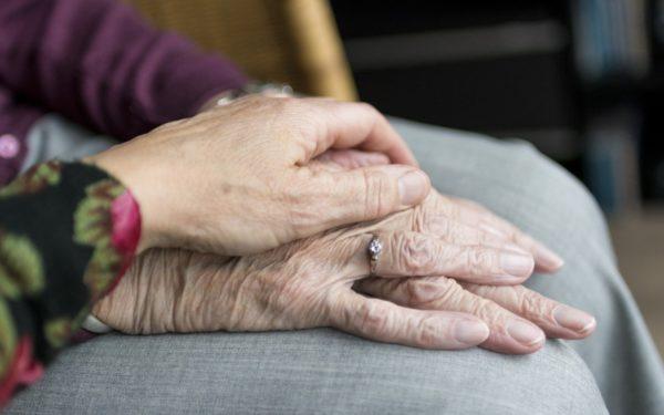 AUDIO   Psiholog: Vârstnicii au nevoie să știe punctual ce pot și ce nu pot face, de la persoane relevante pentru ei