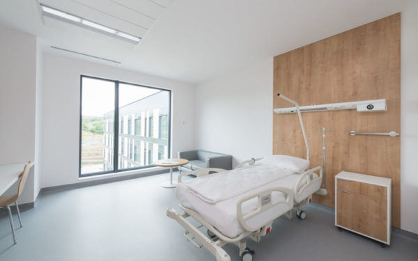 Prețul de exploatare a clinicii private din comuna clujeană Baciu, stabilit de un evaluator