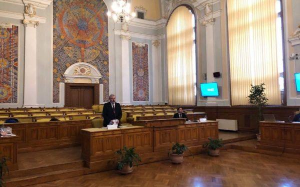 ALEGERI UBB | Întrebări cu subînțeles și poezie, în dezbaterea pentru funcția de rector