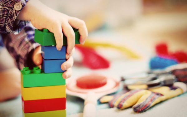 Se prelungește valabilitatea indemnizaţiei pentru creşterea copilului