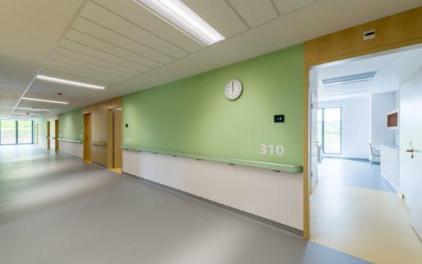 EXCLUSIV   S-a bătut palma pentru preluarea clinicii private din Baciu, următoarea în lista spitalelor Covid. Cât plătesc autoritățile județene