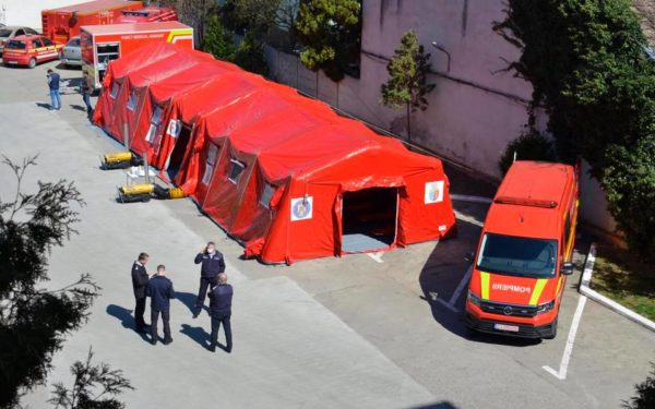 FOTO | Unitatea medicală mobilă, care poate prelua peste 20 de persoane, a ajuns la ISU Cluj