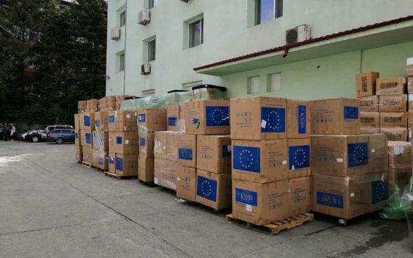 FOTO | Peste 150.000 de măști de protecție au fost trimise de Comisia Europeană în România