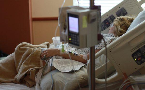 Asociațiile de pacienți cer grăbirea procesului de revenire a spitalelor la activitatea obișnuită