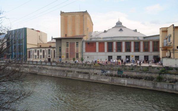 """Teatrul Maghiar scoate două spectacole """"în stradă"""", mai exact pe malul Someșului. Va fi amenajat un amfiteatru în aer liber"""