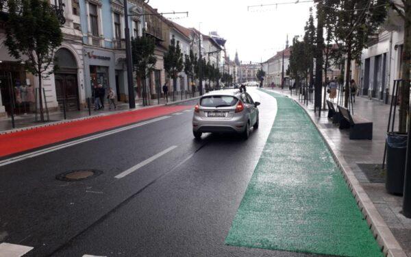 AUDIO | Pista verde de pe Ferdinand, dotată cu alveolă de protecție pentru bicicliști. Bandă comună pentru biciclete și CTP