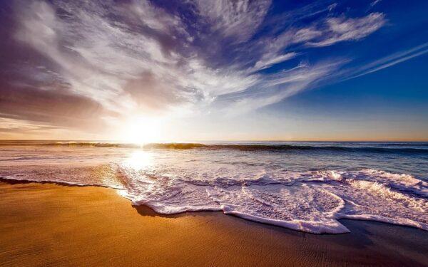 Noile măsuri din starea de alertă, adoptate de Guvern. Restricțiile pentru plaje nu au mai fost incluse în HG