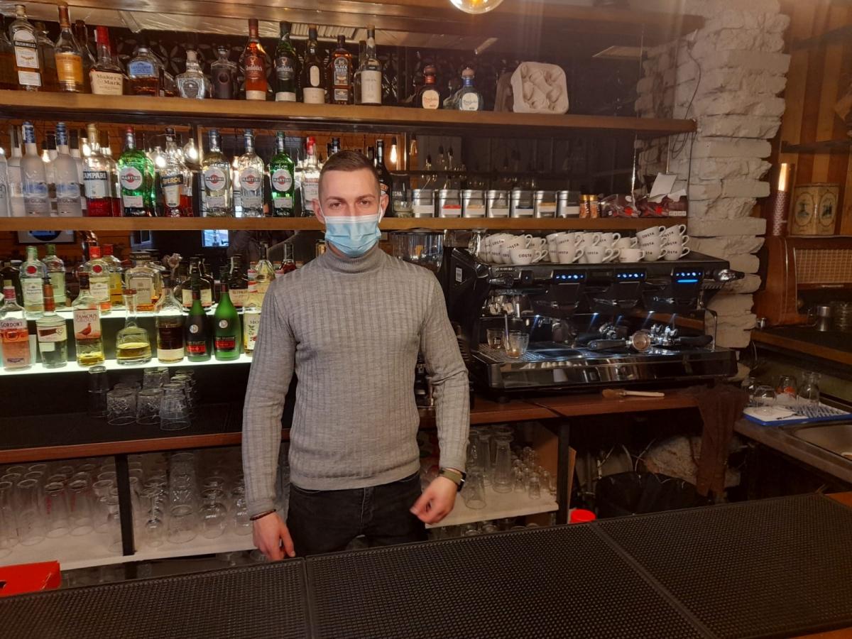 Barmanul Marius Chiorean