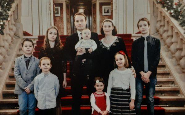 AUDIO | De 8 martie, o poveste despre o familie cu opt copii
